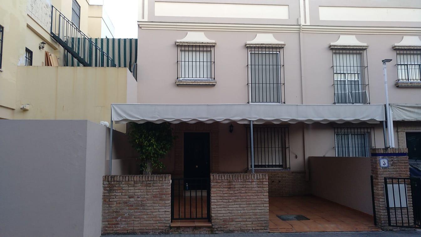 Nuda Propiedad de vivienda adosada de dos plantas y 132 m²